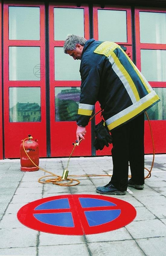 Palnik gazowy z zaworem redukcyjnym