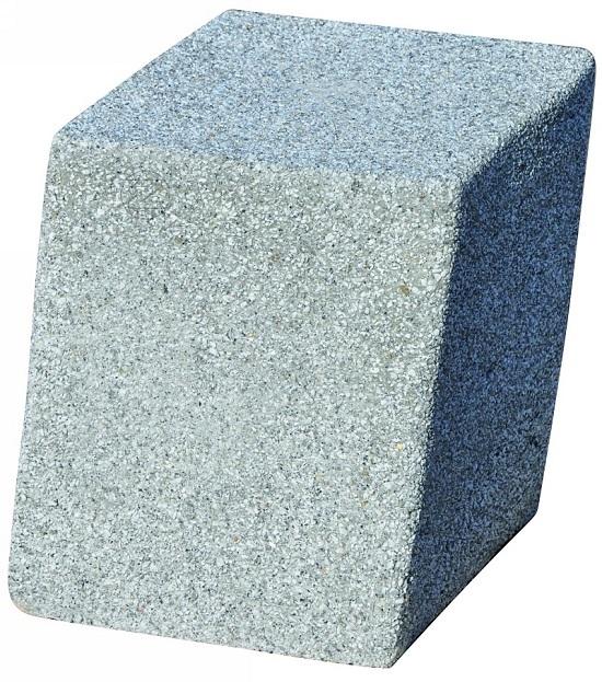 Słupek serii GANDIA z betonu